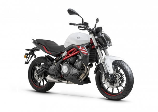 motocykl Benelli 302S AKCE!!!