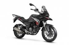 Motocykl Benelli TRK 251